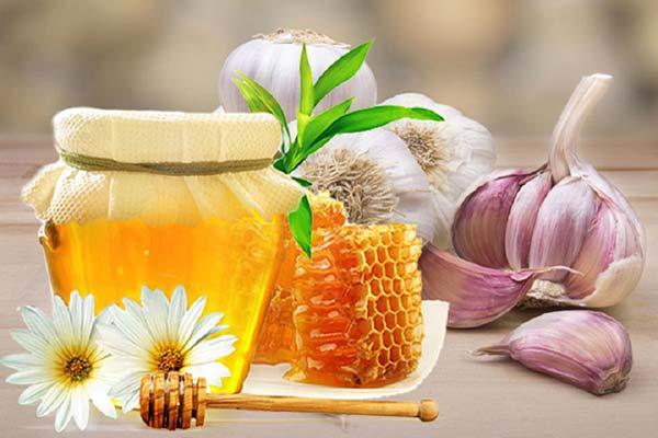 Cách làm tỏi ngâm mật ong và cách sử dụng chữa bệnh hiệu quả